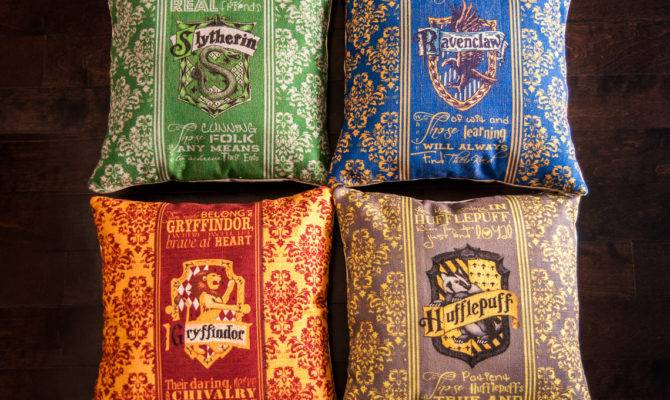 Harry Potter Pillows Slytherin Ravenclaw Geekandthechic Etsy