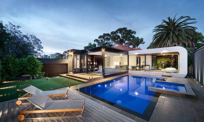 Heritage Home Gets Bold Contemporary Extension