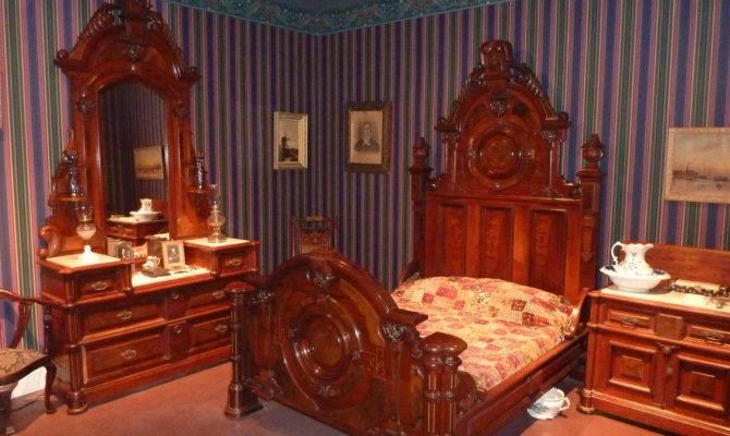Historylines Img Summer Big Victorian Bedroom Goderich