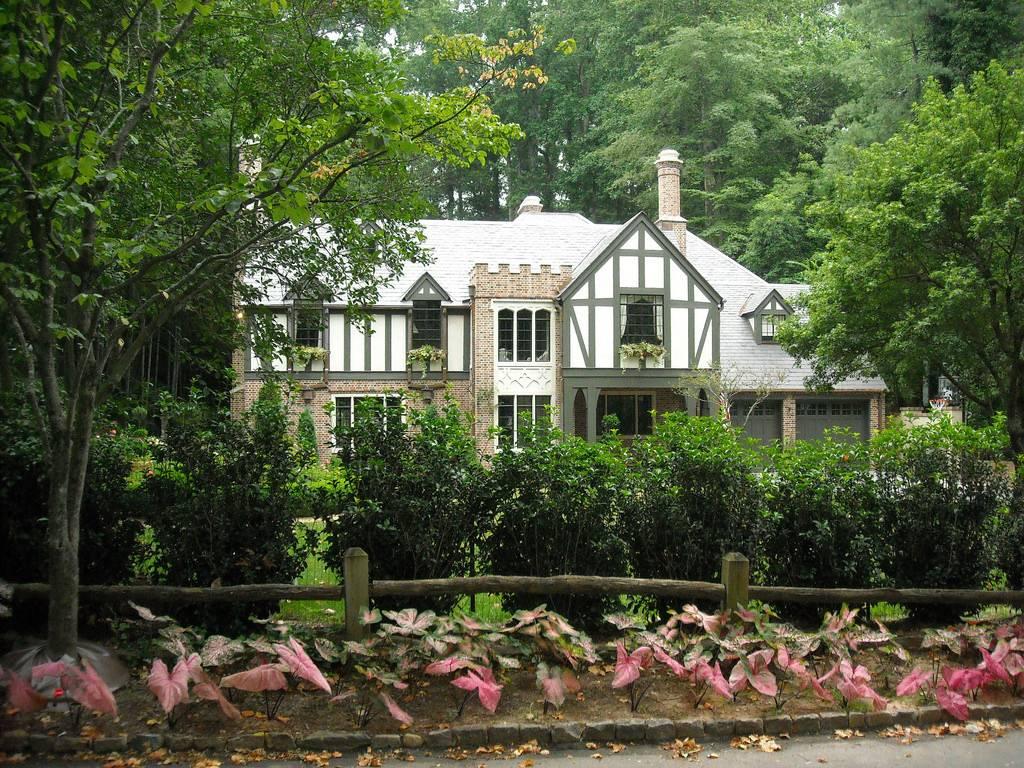 Home Interior Design Tudor English Style Houses