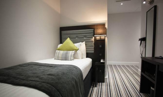 Hotel Kensington Single Room