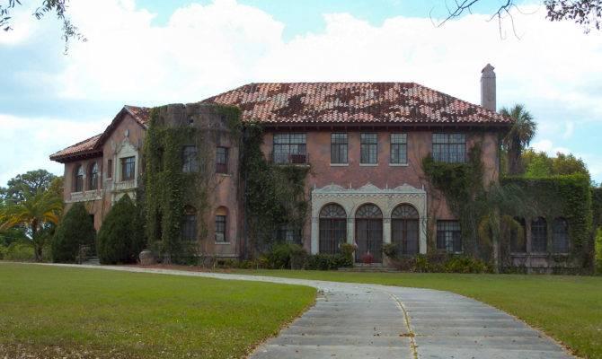 Howey Mansion Abandoned Explorers