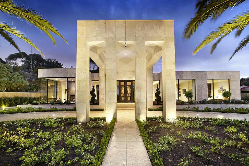 Imposing Luxurious Modern Mansion Melbourne Wearing