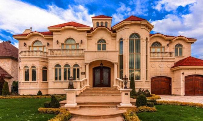 Insane Quebec Mansions Featured