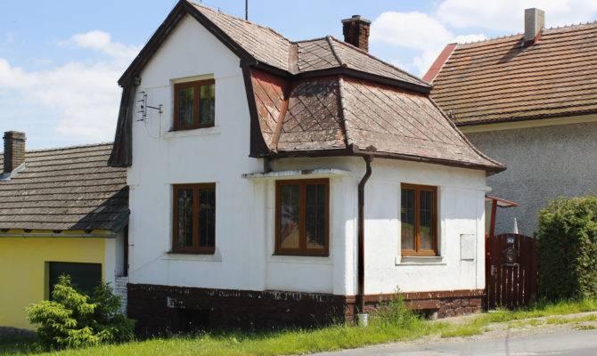Jezd Cerhovic Small House Wikimedia Commons
