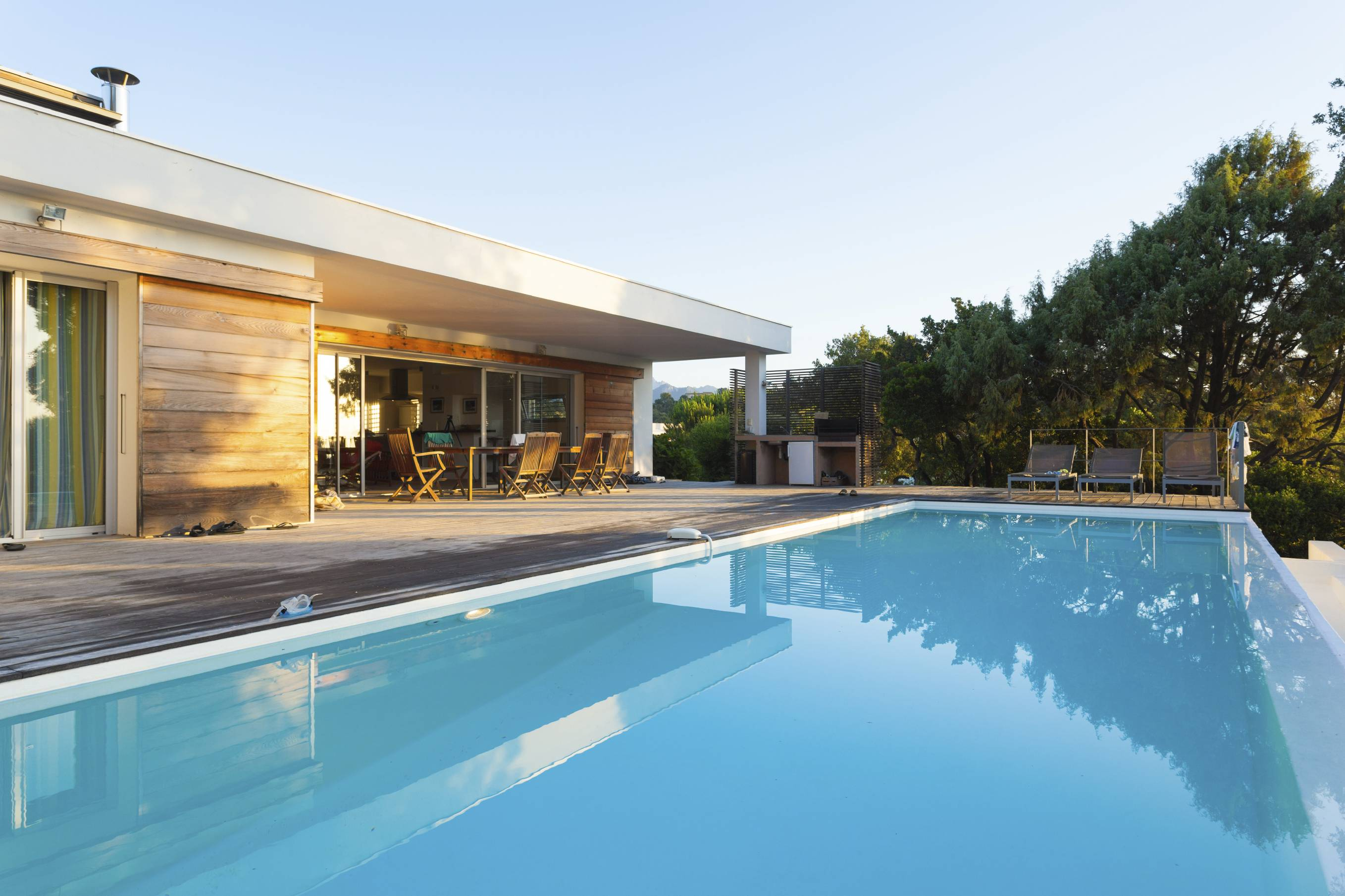 Large Home Swimming Pools