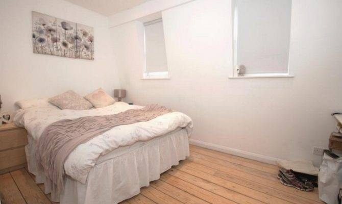 Large Split Level Bedroom Apartment Islington Harpens