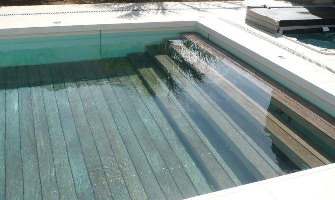 Leveable Rise Fall Swimming Pool Floor Incorporating