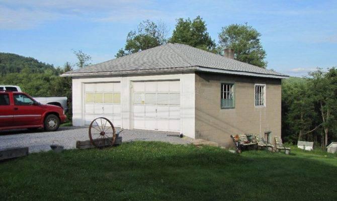 Level Car Detached Garage Powell Associates Real Estate Llc