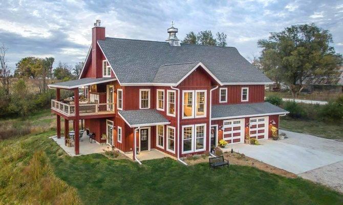 Lifetime Love Barns Inspires New Custom Home