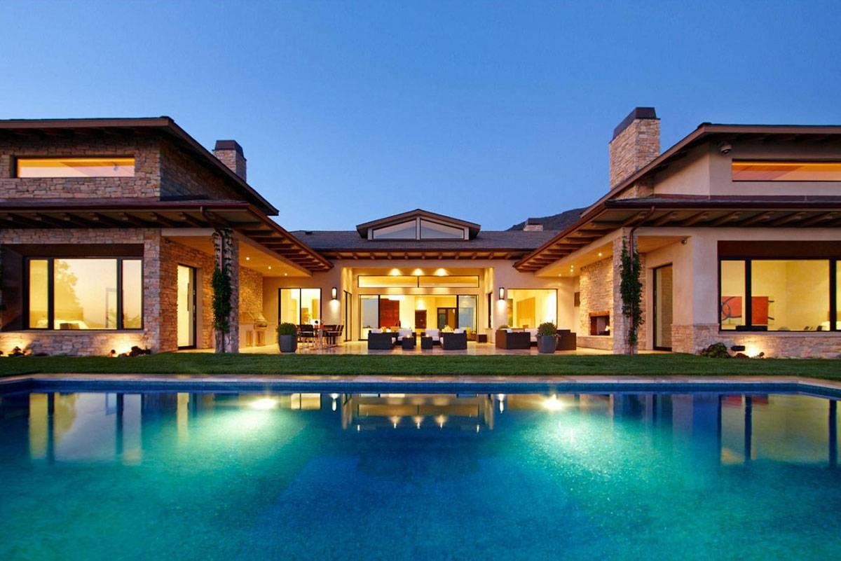 Luxury Spanish Style Hacienda Marisol Malibu Available