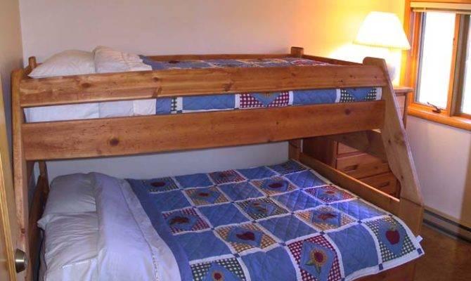 Meetmeinmontana Floor Bedroom