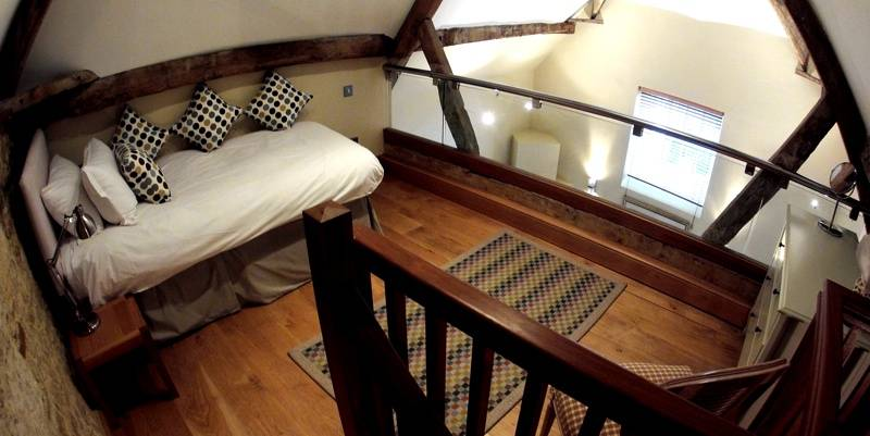 Mezzanine Floor Coach House Single Bed