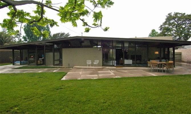 Mid Century Modern House Plastolux Keep