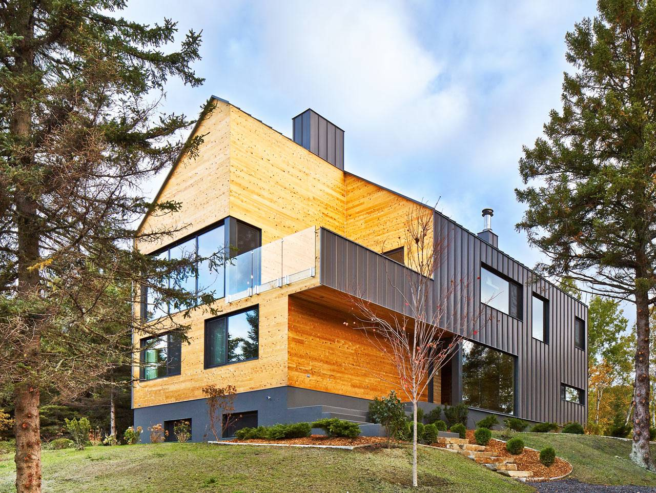 Modern Barn Like House Architecture Design Milk