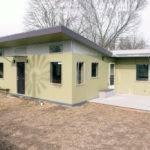Modern Beds Baths Plan Front Elevation