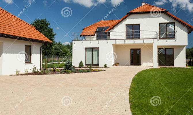 Modern House Separate Garage