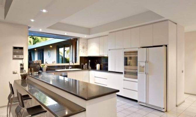 Modern Open Plan Kitchen Design Using Granite