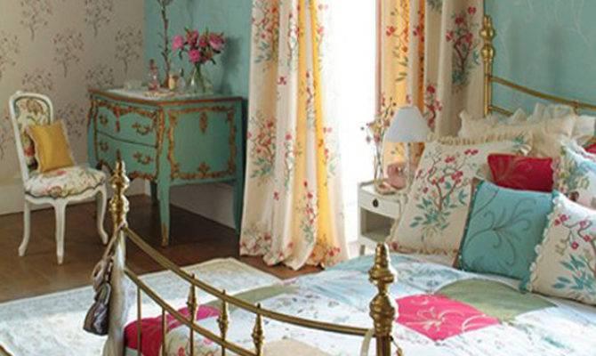 Modern Vintage Bedroom Serves Both Style