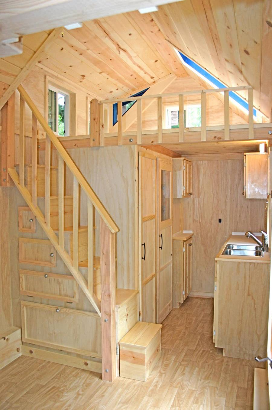 Molecule Tiny House Swoon