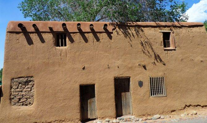 Must Adobe Structures New Mexico