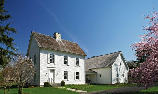 New England Colonial Tilton Fenwick Curators