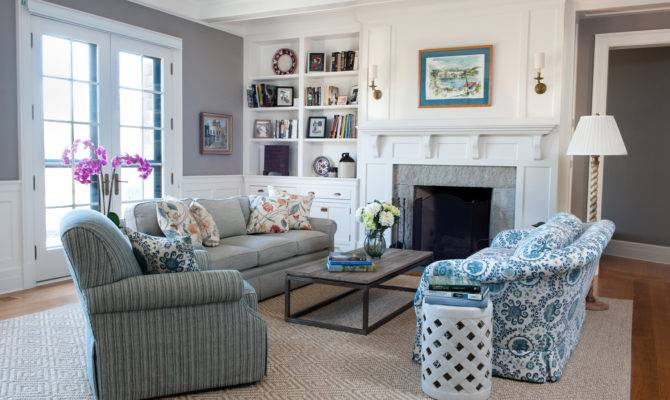 New England Style Living Room Facemasre