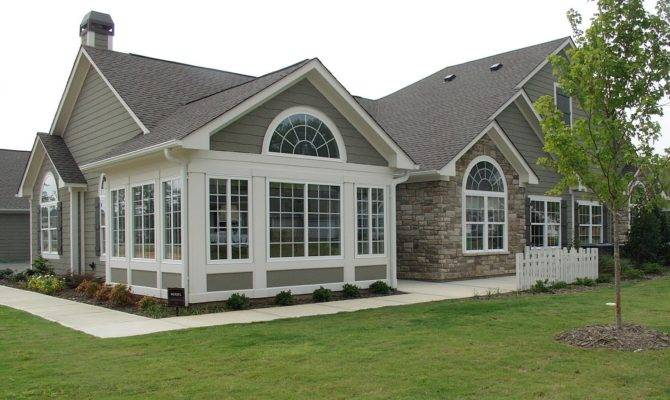 New Homes Young Couple American Home Improvement Buying Sale Tips
