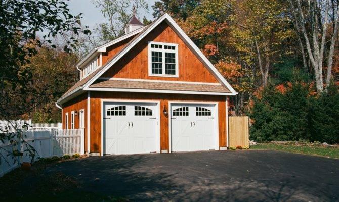 Newport Custom Garage Barn Yard Great