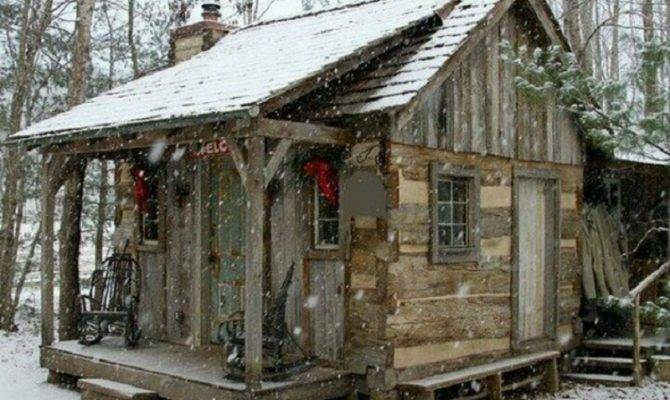 Old Fashioned Country Christmas Living