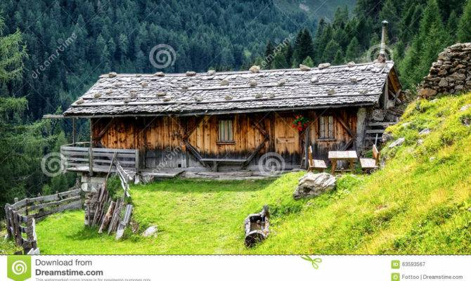 Old Log Cabin Fashioned Stable