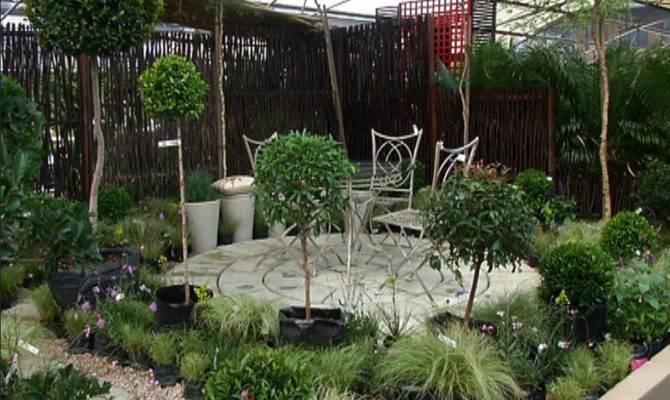 Outdoor Dining Set Plastic Floral Pot Courtyard Gardens Design