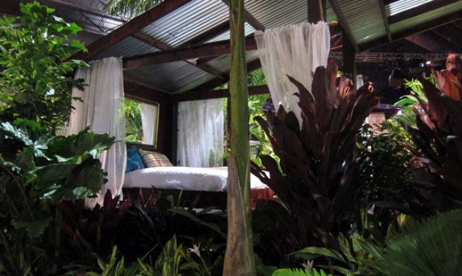 Outdoor Rooms Veggie Gardens Hawaiian Style Urban