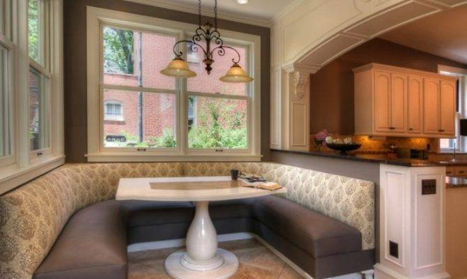 Oversize Kitchens Include Comfortable Dining Space