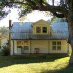 Panoramio Old Fashioned American Country Home