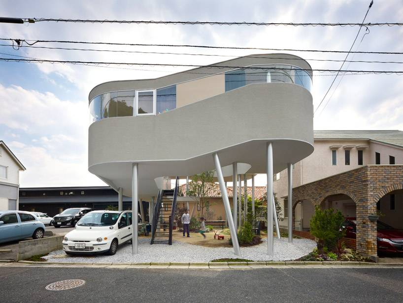 Part Toda House Kimihiko Okada Having Some Legs Outside