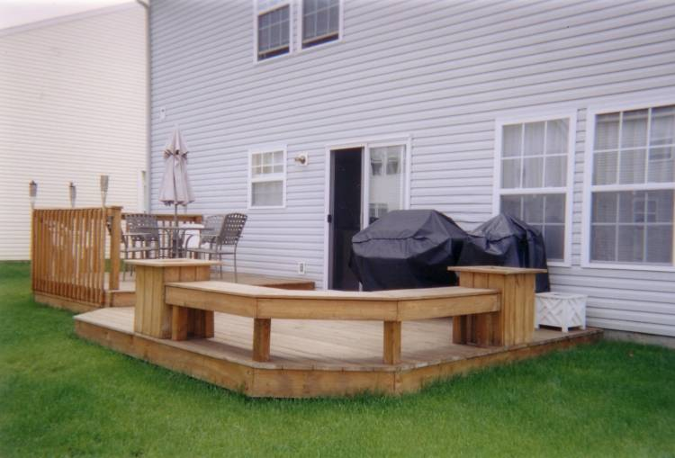 Party Deck Shaded Upper Arbor