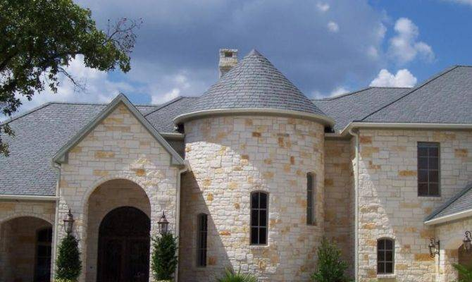 Plastic Roofing Provides Stylish Protection Elements