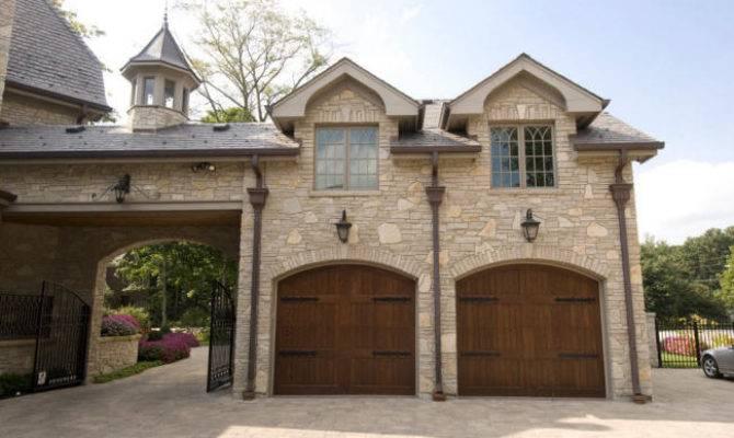 Porte Cochere Garage
