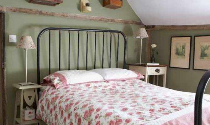 Pretty Country Bedroom Designs Bed