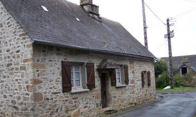 Pretty Stone Bedroom House Garage Separate