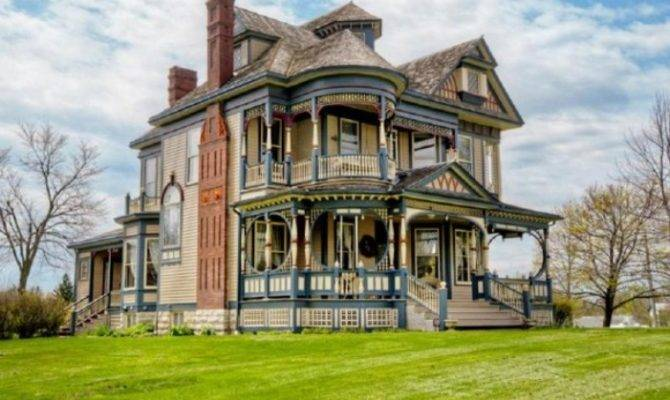 Pretty Years Old Victorian House Digsdigs
