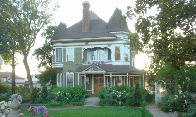 Queen Anne Style Houses Riverside Usa City