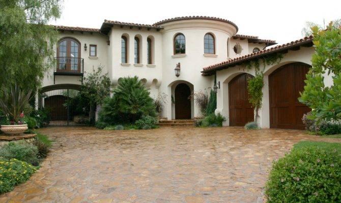 Red Hot Classical Beautiful Organic Shaped Home Has