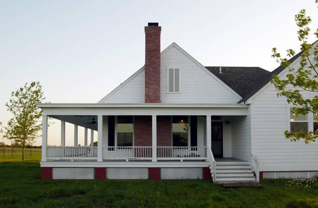 Rockin Farmhouse Wrap Around Porch Texas