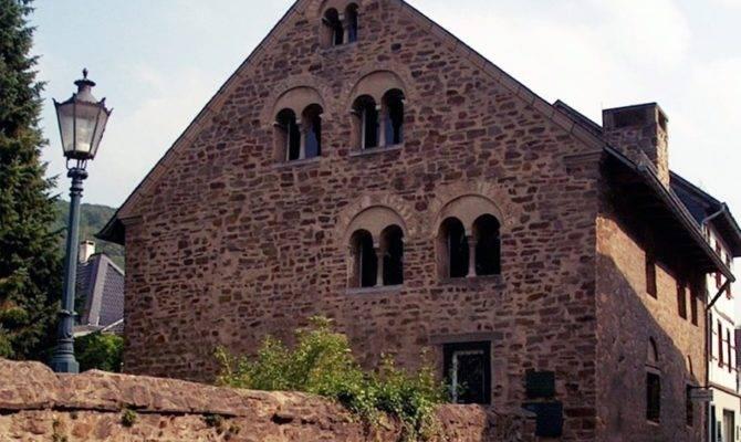 Romanesque Architecture Explained Gentleman Gazette
