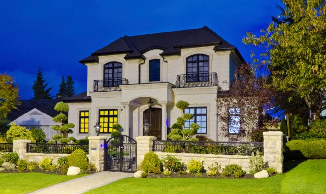 Selling Large Home Stage Your