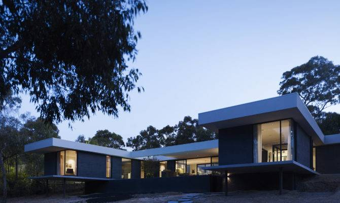 Shaped Modern House Contemporary Architectural Home