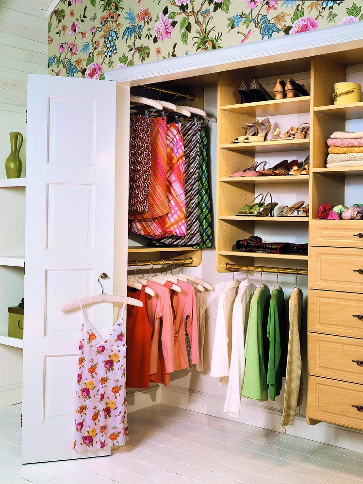 Small Walk Closet Ideas Girls Women
