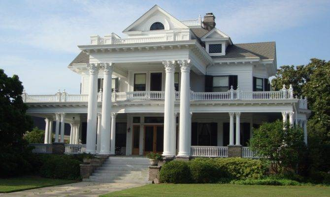 Southern Colonial Architecture Style